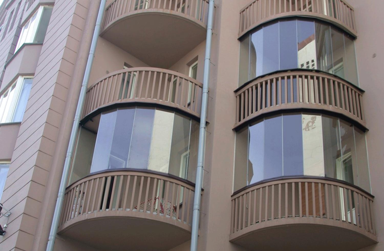 Формы балконов в домах: фото неправильной и треугольной.